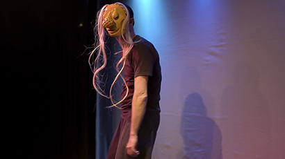 Larven, spectacle de masques